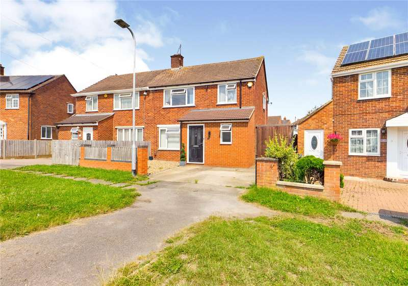 3 Bedrooms Semi Detached House for sale in Gainsborough Road, Southcote, Reading, Berkshire, RG30