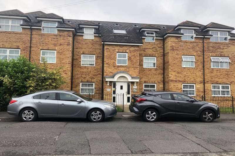 2 Bedrooms Flat for sale in Rutland Avenue, Slough, SL1