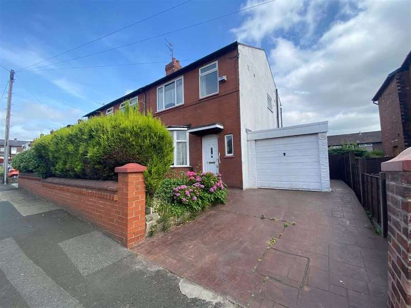 3 Bedrooms Semi Detached House for sale in Stockport Road, Denton, Manchester