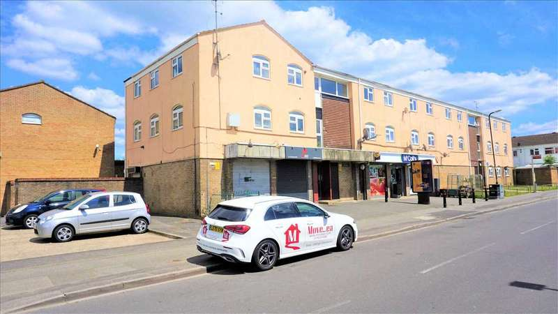 2 Bedrooms Apartment Flat for sale in Scafell Road, Slough