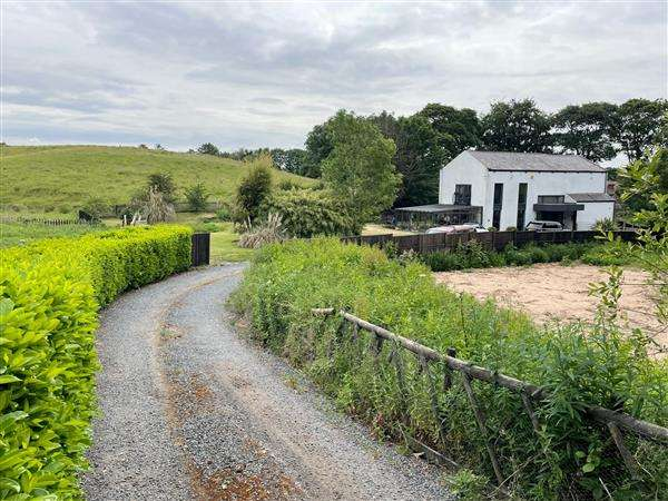 4 Bedrooms Detached House for sale in The Barn, Heywood Old Road, Manchester