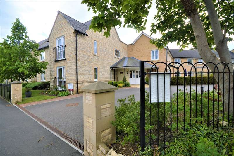1 Bedroom Flat for sale in Apartment , Beecham Lodge, Somerford Road, Cirencester