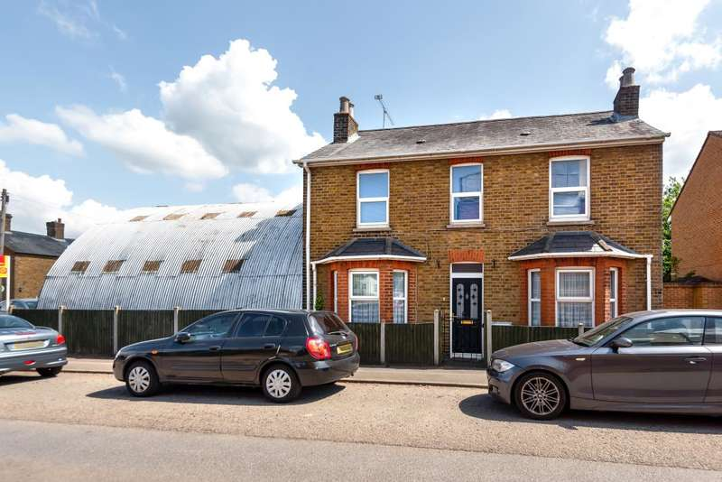 3 Bedrooms Detached House for sale in Burnham, Buckinghamshire, SL1