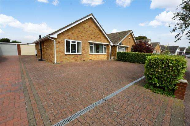 2 Bedrooms Detached Bungalow for sale in Laburnum Crescent, Kirby Cross, Frinton-on-Sea
