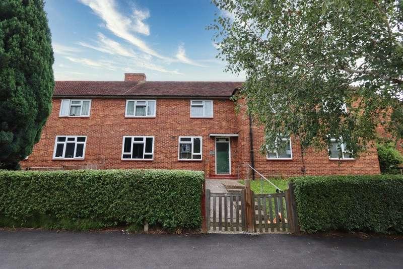 1 Bedroom Flat for sale in Broseley Road, Romford
