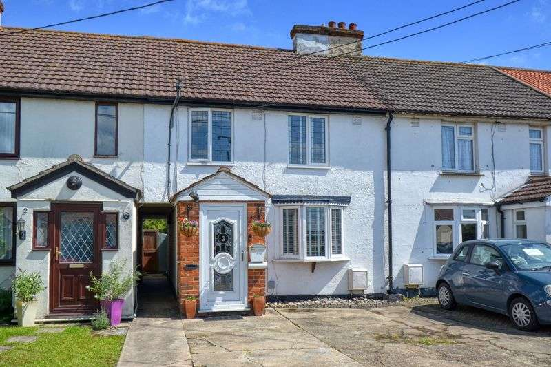 3 Bedrooms Property for sale in Tan Lane, Clacton-On-Sea