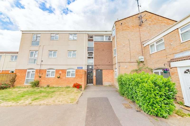 2 Bedrooms Flat for sale in Pentland Road, Slough, Berkshire, SL2