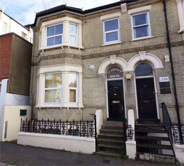 2 Bedrooms Apartment Flat for sale in Clarence Road, Southend-on-Sea, Southend-on-Sea, SS1 1AN