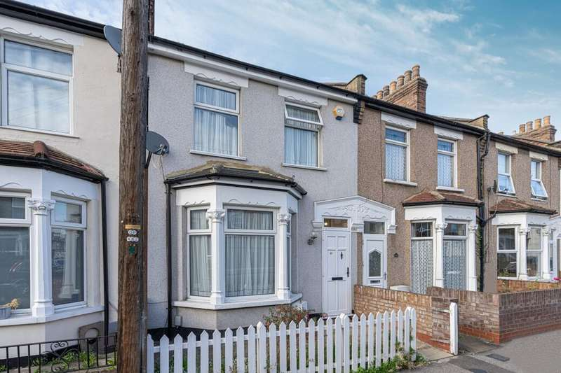 3 Bedrooms Terraced House for sale in Kenneth Road, Chadwell Heath, Romford, RM6