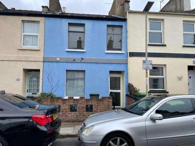 2 Bedrooms Terraced House for sale in Brunswick Street, Cheltenham, Gloucestershire