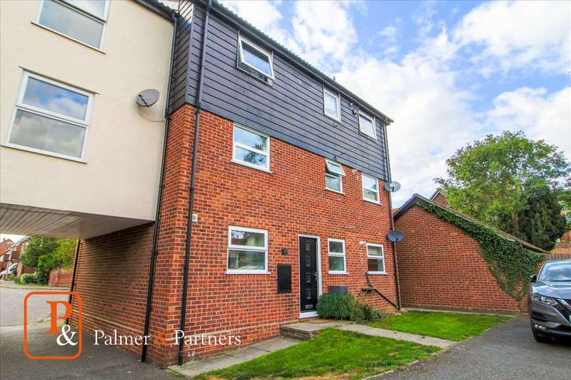 2 Bedrooms Maisonette Flat for sale in Stonecrop, Braiswick, Colchester