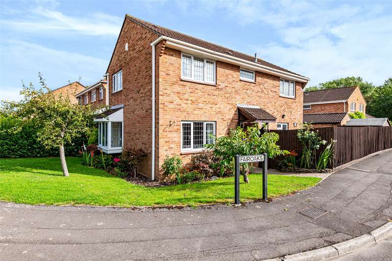4 Bedrooms Detached House for sale in Fairoaks, Longwell Green, Bristol, BS30