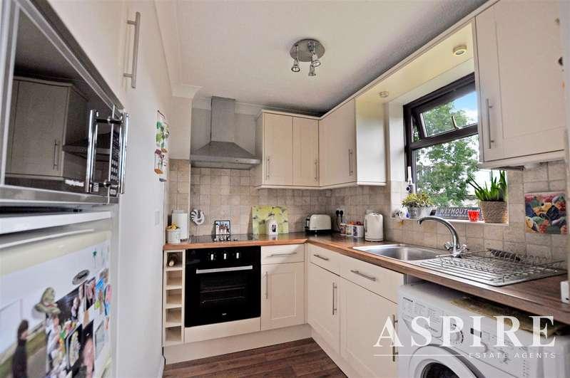 1 Bedroom Flat for sale in London Road, Benfleet