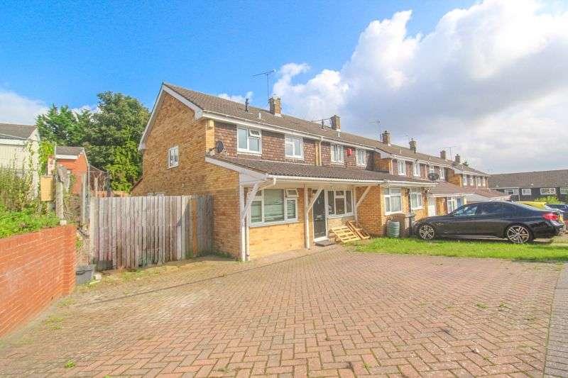 4 Bedrooms Property for sale in Woodbridge Close, Luton