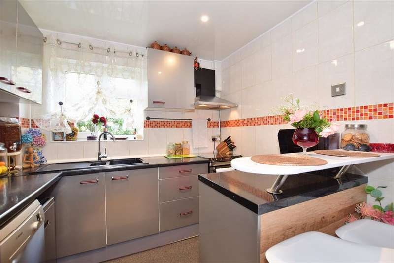 5 Bedrooms Semi Detached House for sale in Finchingfield Avenue, , Woodford Green, Essex