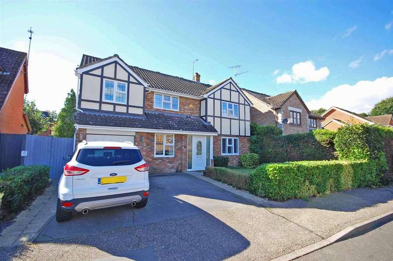 5 Bedrooms Detached House for sale in Windermere Drive, Great Notley, Braintree