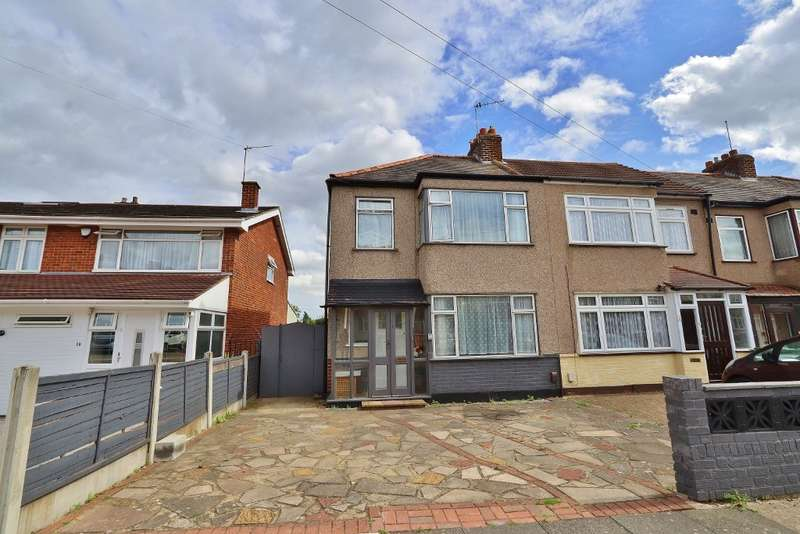 3 Bedrooms Semi Detached House for rent in Ferndale Road, Collier Row, Romford