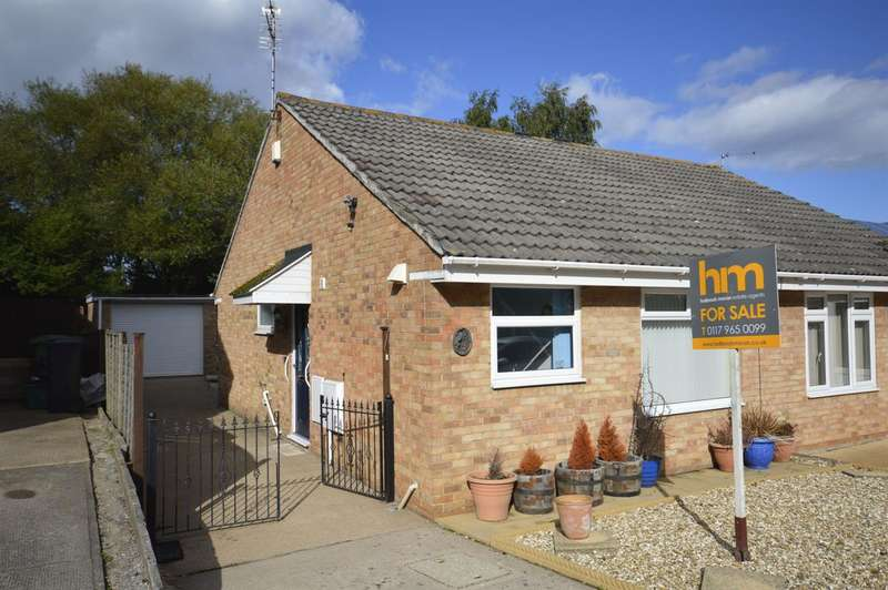 2 Bedrooms Bungalow for sale in Springville Close, Longwell Green, Bristol