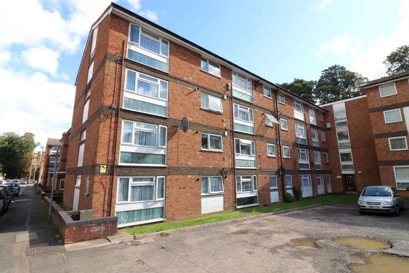 2 Bedrooms Flat for sale in Brook Street, Luton, Bedfordshire, LU3 1DZ