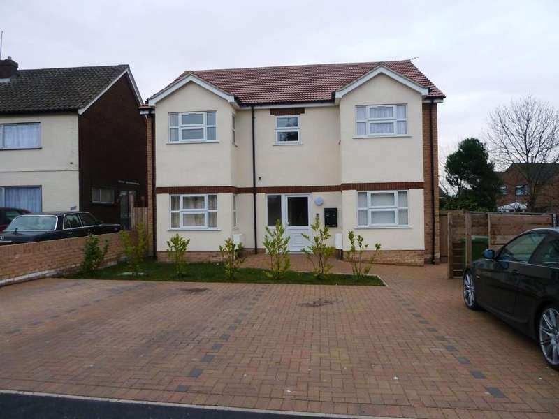 1 Bedroom Flat for rent in Antella Court 264 Lodge Lane Collier Row Romford Essex
