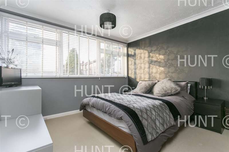 2 Bedrooms Apartment Flat for rent in Cavendish Avenue, Woodford Green