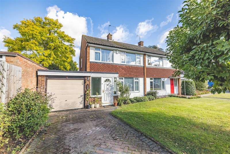 3 Bedrooms House for sale in Knights Close, Windsor