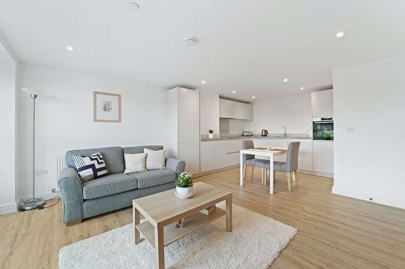 1 Bedroom Flat for sale in Kings Road, Brentwood, Essex, CM14