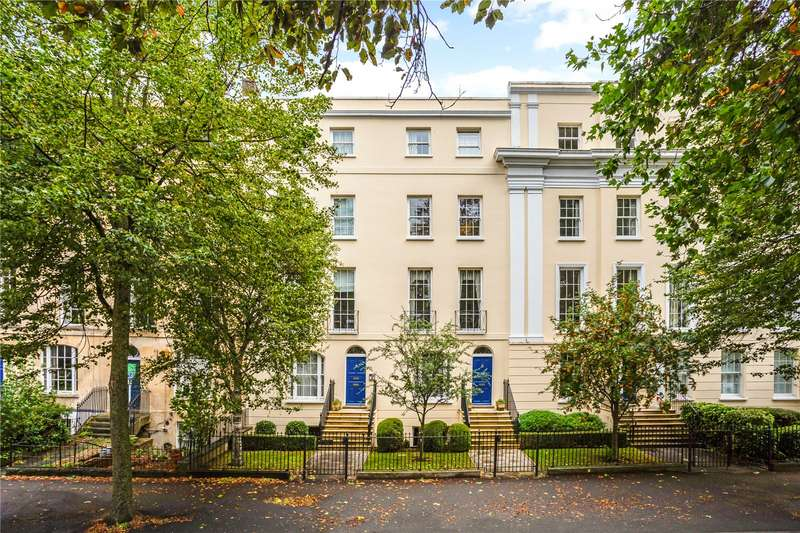 2 Bedrooms Flat for sale in Wellington Place, London Road, Cheltenham, Gloucestershire, GL52