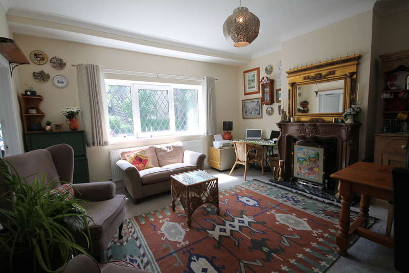 3 Bedrooms End Of Terrace House for sale in Halifax Road, Littleborough