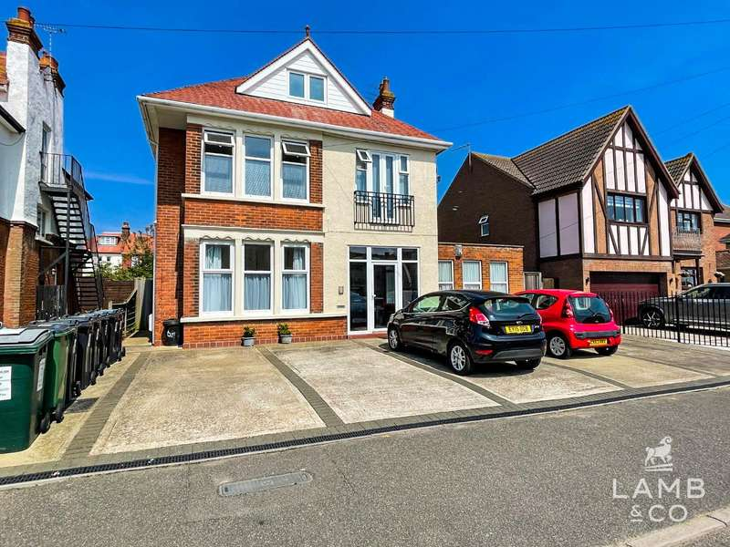 7 Bedrooms Detached House for sale in St Vincent Road, Clacton-on-Sea