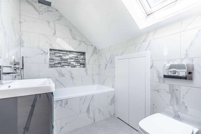 1 Bedroom Apartment Flat for sale in 137 Clewer Hill Road, Windsor