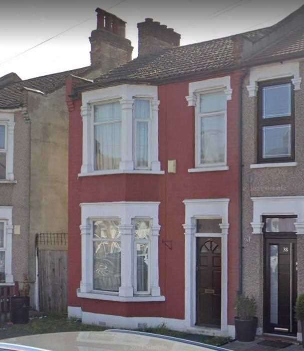 3 Bedrooms End Of Terrace House for rent in Kingston Road, Loxford Catchment Area, Off Ilford Lane, Ilford