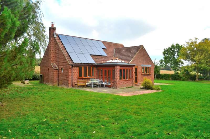 3 Bedrooms Detached Bungalow for rent in Bardfield Road, Finchingfield