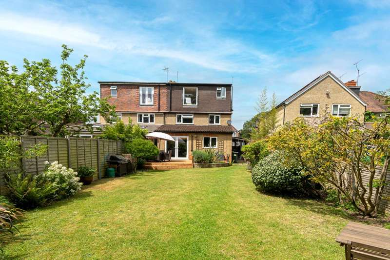 4 Bedrooms Semi Detached House for sale in Geoffreyson Road, Caversham Heights,Reading