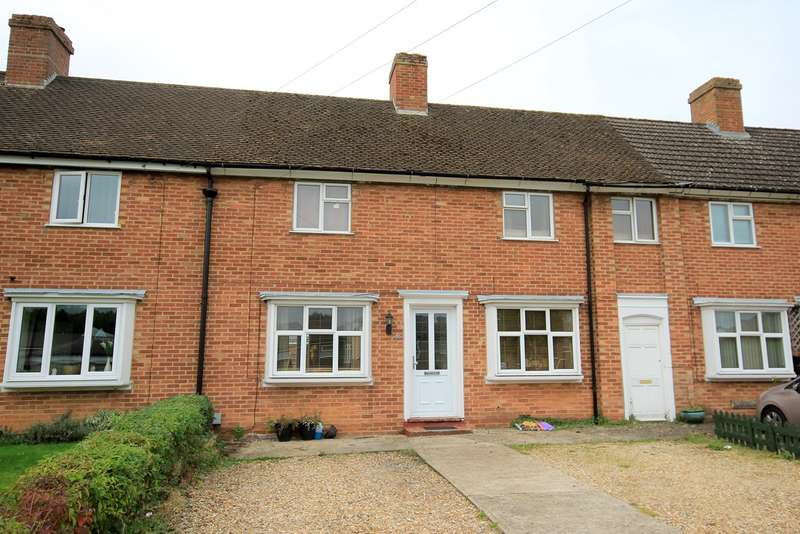 3 Bedrooms Terraced House for sale in Hinksley Road, Flitwick, MK45