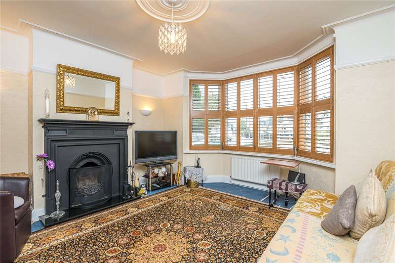 4 Bedrooms Semi Detached House for sale in Stambridge Road, Rochford, SS4