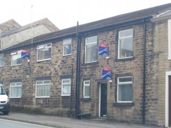 1 Bedroom Flat for sale in Church Street, Littleborough. First floor flat in a central location, ideal investment property.