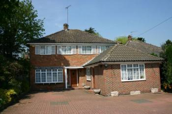 Detached House for sale in White Orchards, STANMORE