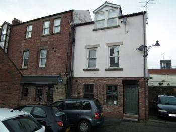 2 Bedrooms Flat for sale in Phoenix Yard, Morpeth - Two Bedroom Second Floor Flat