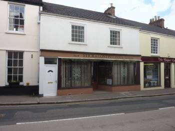 3 Bedrooms Terraced House for sale in Queen Street, Lostwithiel