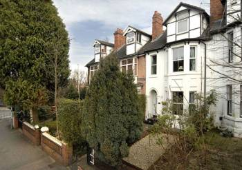 4 Bedrooms Terraced House for sale in NEWBRIDGE, Tettenhall Road