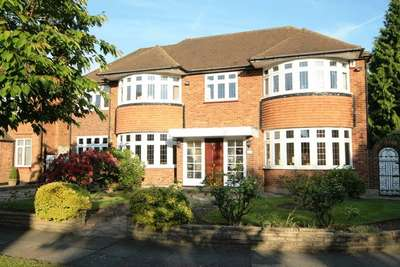 5 Bedrooms Detached House for sale in Brockley Avenue, Stanmore