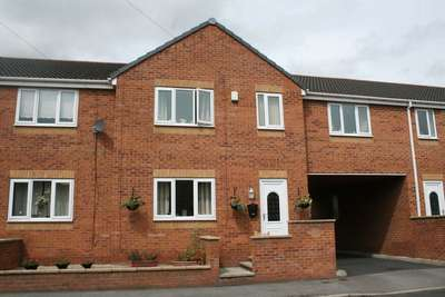 3 Bedrooms Property for sale in Hope Street, Wombwell, Barnsley
