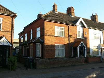 4 Bedrooms Terraced House for sale in Ashby Street, Norwich