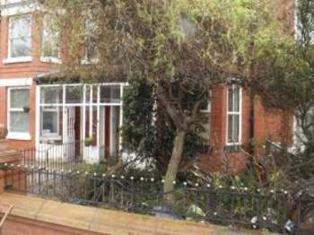 4 Bedrooms Terraced House for sale in Princess Road, Manchester, Greater Manchester