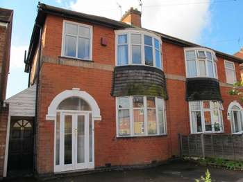 3 Bedrooms Semi Detached House for sale in 10 Goscote Hall Road. Birstall. Leicester. LE4 3AP