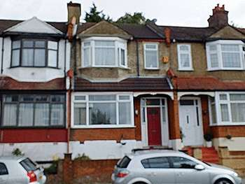 3 Bedrooms Terraced House for sale in Hythe Road, Thornton Heath CR7