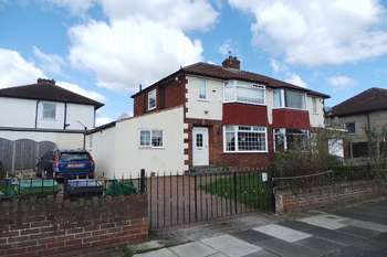 3 Bedrooms Semi Detached House for sale in Borrowdale Road, Carlisle