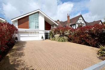4 Bedrooms Detached House for sale in Canford Cliffs Road, Poole