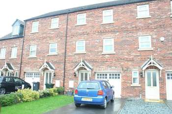 4 Bedrooms Terraced House for sale in Skylark View, Rotherham